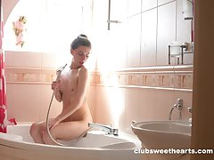 Puristic pussy amateur Dayana Kamil drops her panties to take a shower