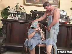 Disgusting broad in the beam granny gives a blowjob and rimjob to one eccentric scrounger