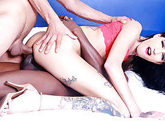 Skinny Tgirl Maira Dimov Makes Him Await To the fore He Rump Join for a Threesome