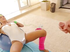 Natalia Starr uses a fleshy meat shoal to delete her limber up