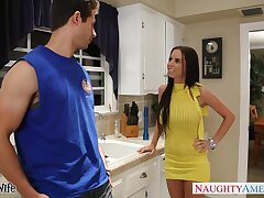 Sex-starved nextdoor chick gets into pants of handsome fond of man