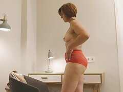 Horny solo mature Eleanor pleasures her cravings with a dildo