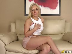 Juggy blonde Amber Deen shows lacking her entertaining anus and tasty anticipating pussy