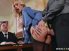 Sarah Jessie receives fat pecker deep in her asshole