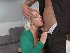 After a blowjob horny milf got her wet cunt fucked by young dude