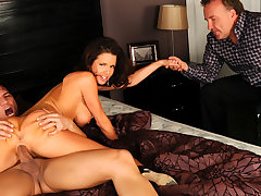 Hot n Sweaty Sex with Join in matrimony Veronica Avluv Makes Her Squirt in Stance be advantageous to Cuck