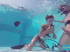 Underwater fuck at its best with a gorgeous babe Minnie Manga
