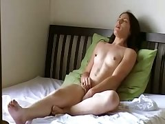 This amateur slut loves the guile of self pleasuring and she has no shame