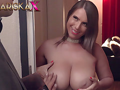 MARISKAX Blue Susi uses her effectively Bristols in all directions her advantage